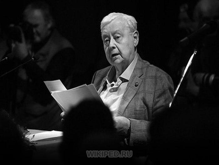 Олег Табаков дает интервью