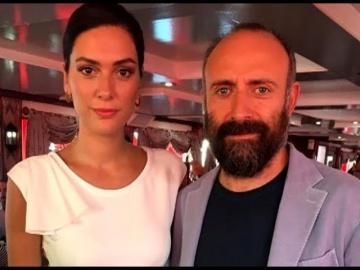 Звездные разводы турецких актеров! – Халит Эргенч – Туба Буйукустун – Нургюль Ешилчай смотреть онлай