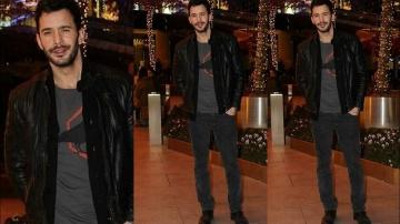 Барыш Ардуч выглядит красивым и гуляет по ночному арбату без Гюпсе Озай.