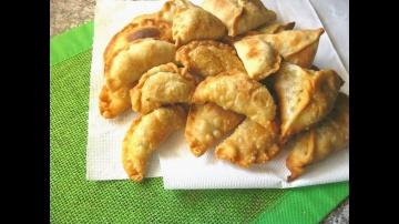 ДОМАШНЯЯ САМБУСА. SAMBOUSA HOMEMADE Арабские хрустящие жареные пирожки с мясом и с овощами - видео с