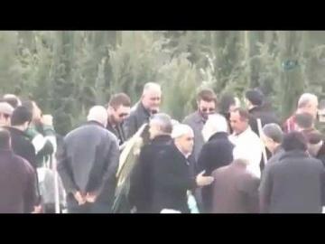 Кадир Догулу Похороны отца (((( смотреть онлайн